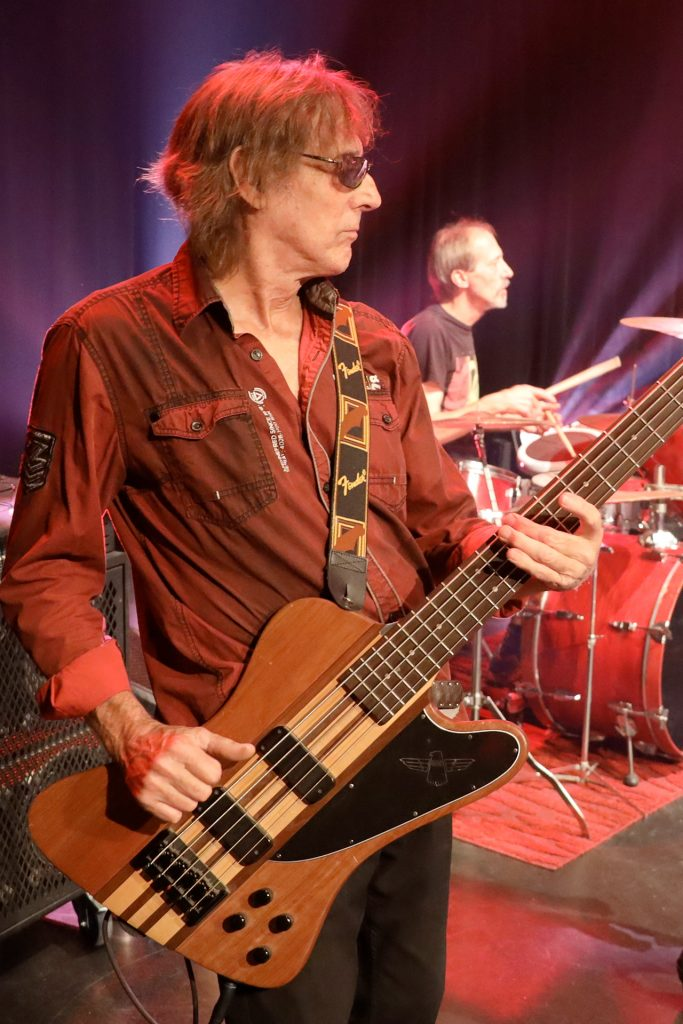 Rock Francophone | LaTulipe et Bill Smith (bass)
